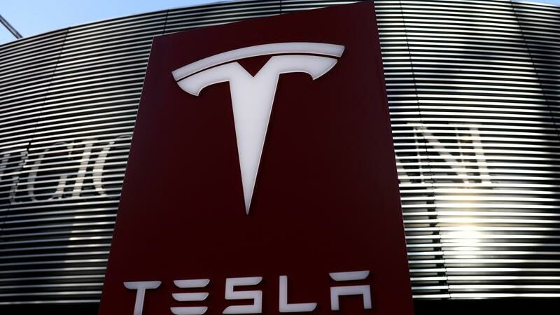 Chinese regulators call in Tesla over customer complaints